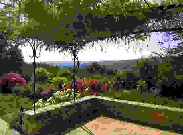 Сад в средиземноморском стиле от I.D.O jardins Средиземноморский