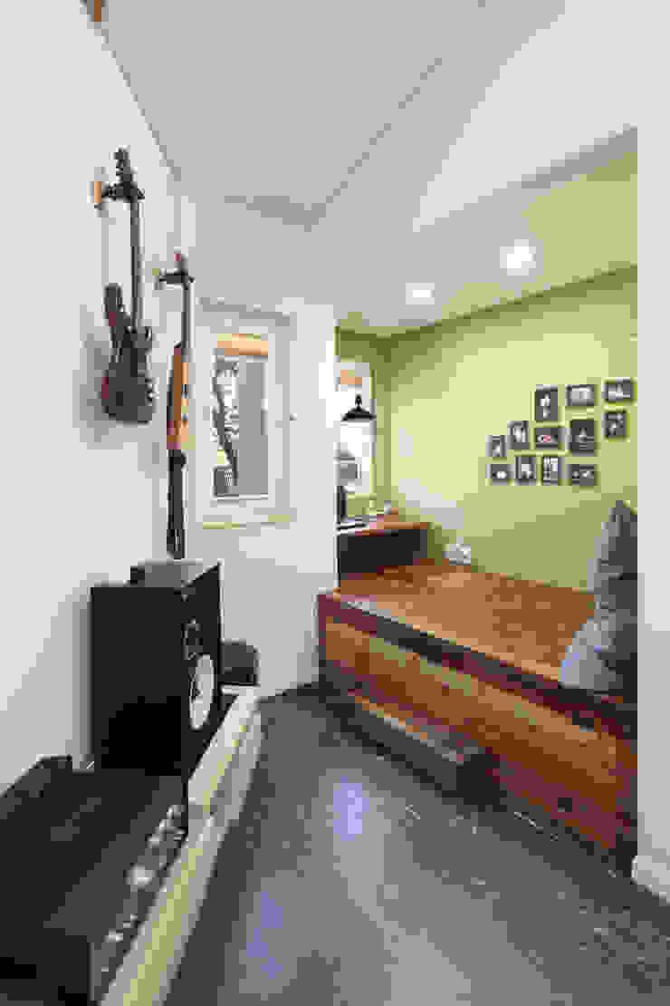 Moderne Arbeitszimmer von 주택설계전문 디자인그룹 홈스타일토토 Modern