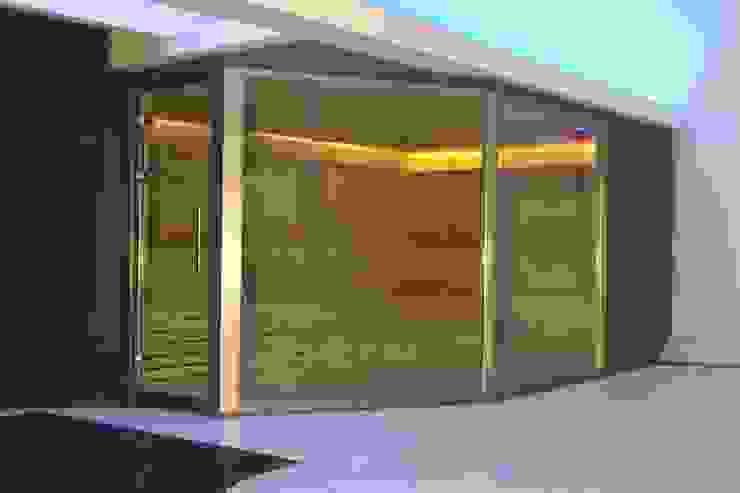 Sauna Finlandesa Selecte | Finnish Sauna by Inbeca de INBECA Wellness Equipment Moderno