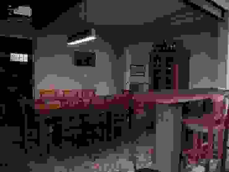 ÁREA GOURMET Garagens e edículas rústicas por THACO. Arquitetura e Ambientes Rústico