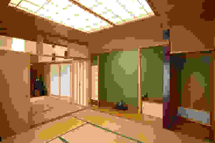 リビング (和室リビング) 和風デザインの リビング の 吉田設計+アトリエアジュール 和風