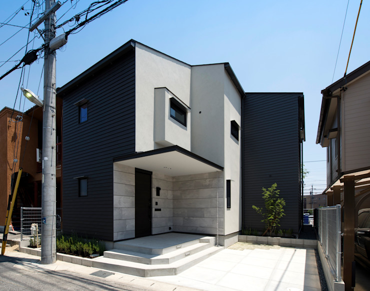 Eclectic style houses by Sakurayama-Architect-Design Eclectic
