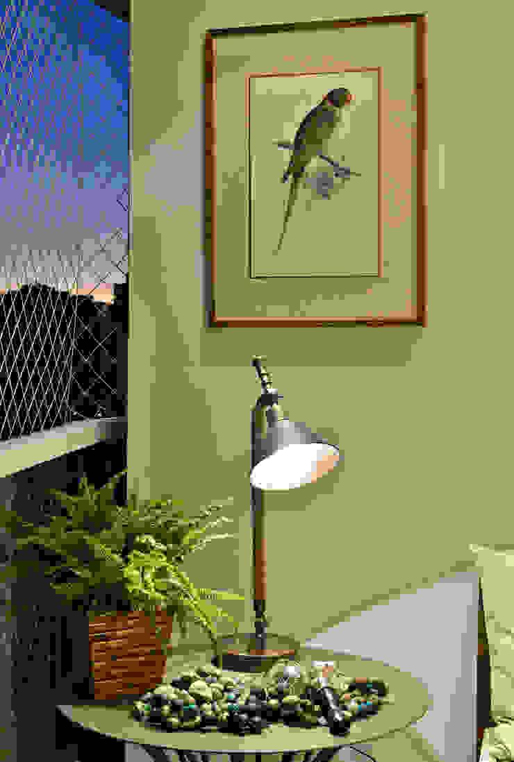 Apartamento FL Varandas, alpendres e terraços modernos por Bastos & Duarte Moderno