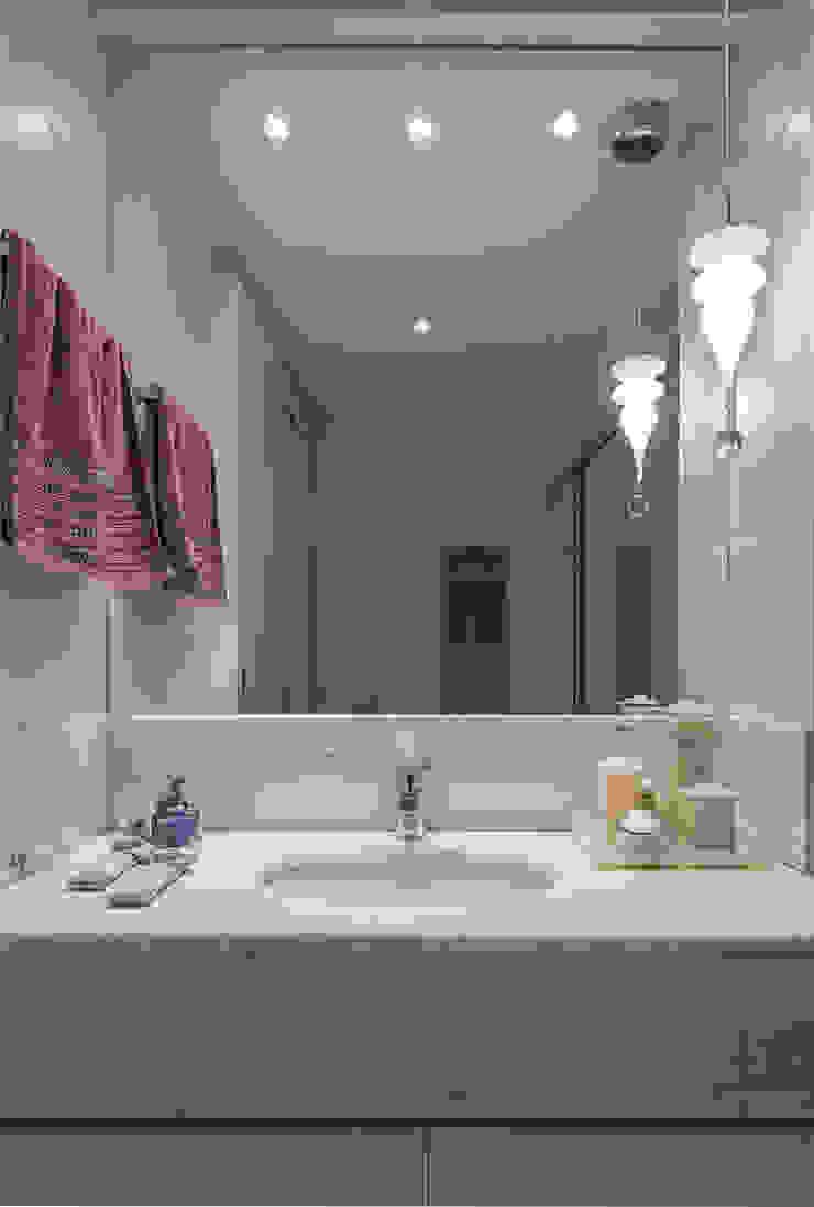 Projeto Apartamento Luxemburgo Banheiros modernos por Laura Santos Design Moderno