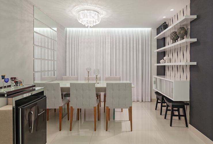 Modern dining room by Laura Santos Design Modern