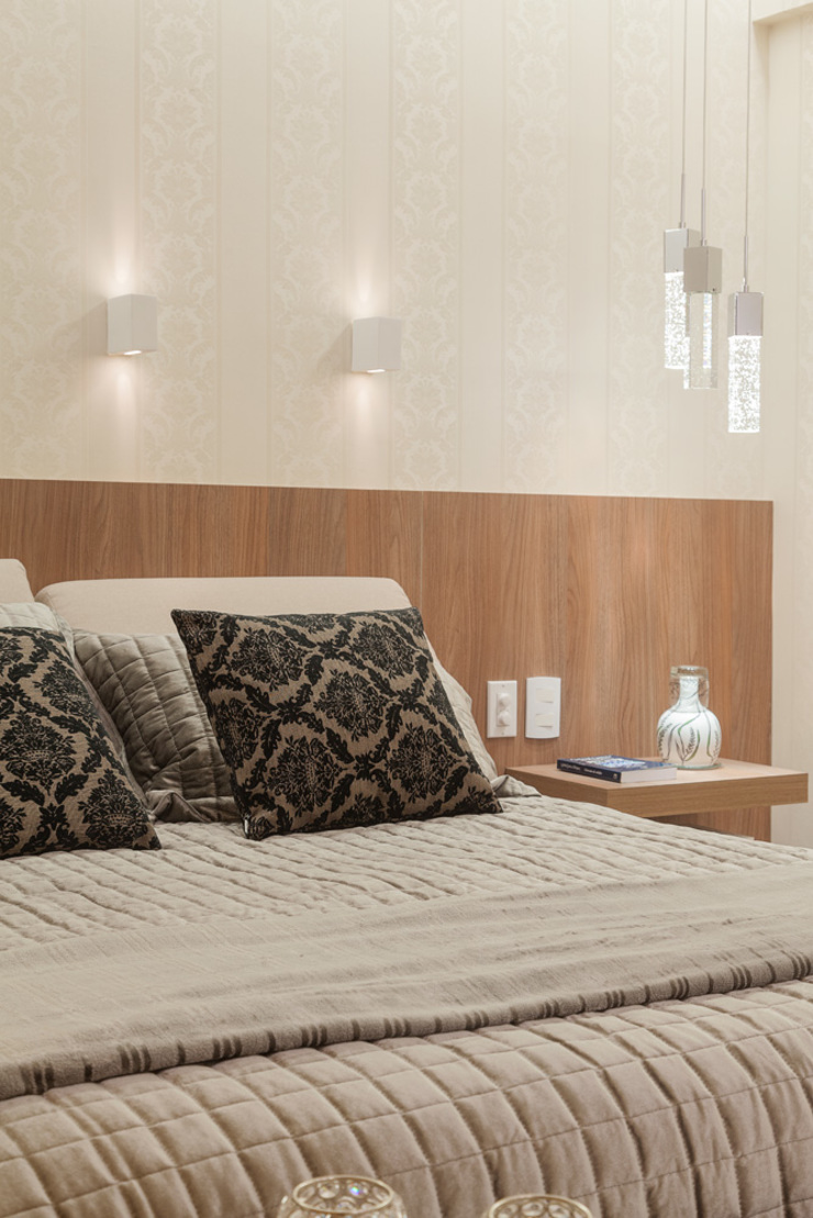 Modern Bedroom by Laura Santos Design Modern