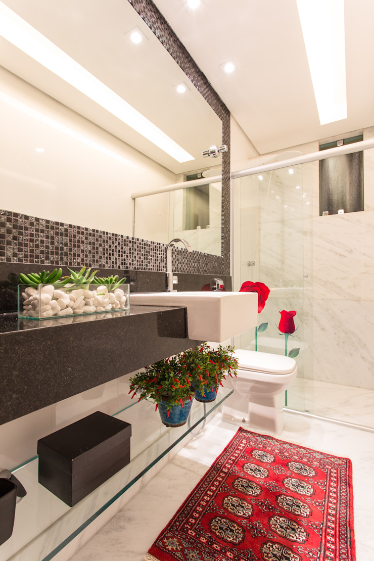 Moderne badkamers van Laura Santos Design Modern