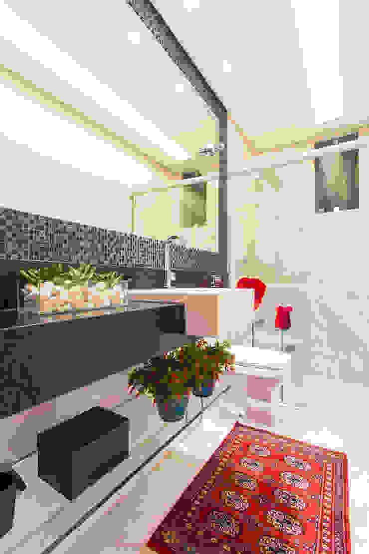 Baños de estilo moderno de Laura Santos Design Moderno