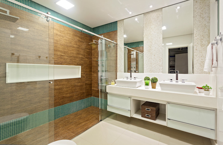 Modern style bathrooms by Laura Santos Design Modern