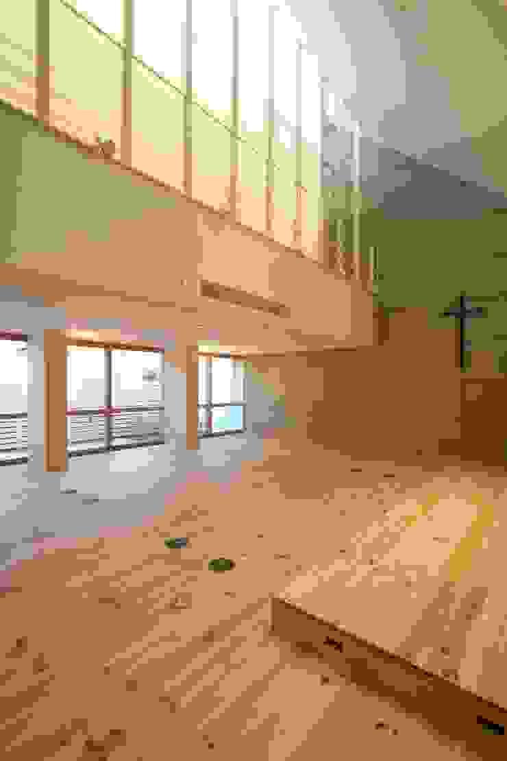 名古屋グローリアスチャペル モダンデザインの リビング の 池戸建築事務所 モダン