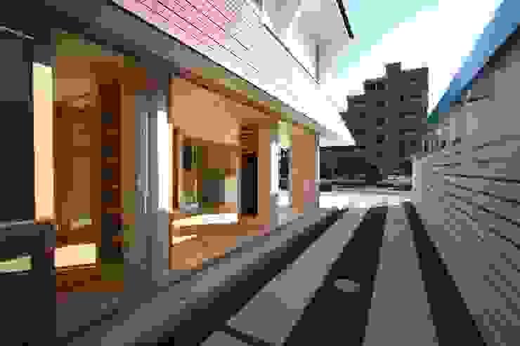 名古屋グローリアスチャペル モダンな庭 の 池戸建築事務所 モダン