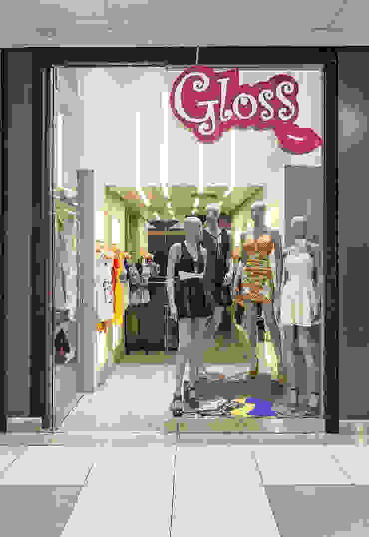 Loja de Roupas - Shopping Lojas & Imóveis comerciais modernos por Laura Santos Design Moderno