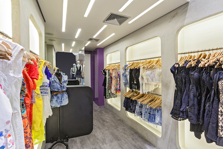 Loja de Roupas – Shopping Lojas & Imóveis comerciais modernos por Laura Santos Design Moderno