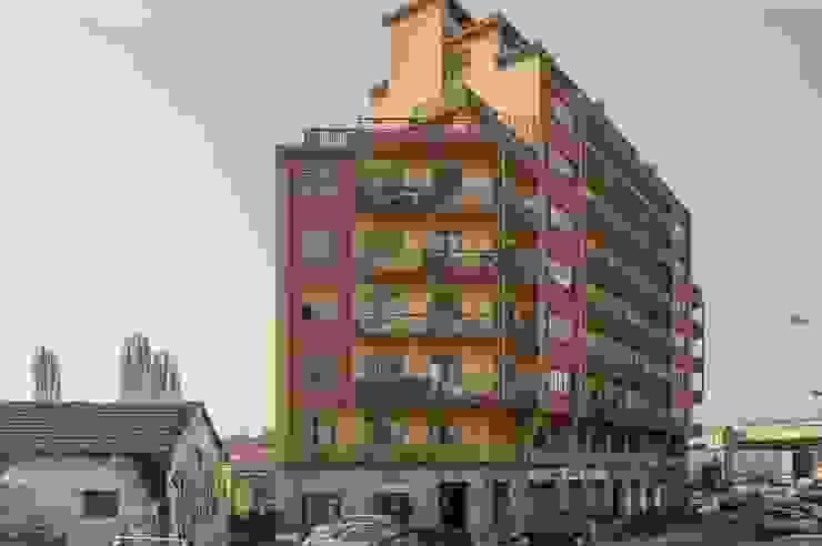 Casas modernas: Ideas, imágenes y decoración de ATELEON Moderno