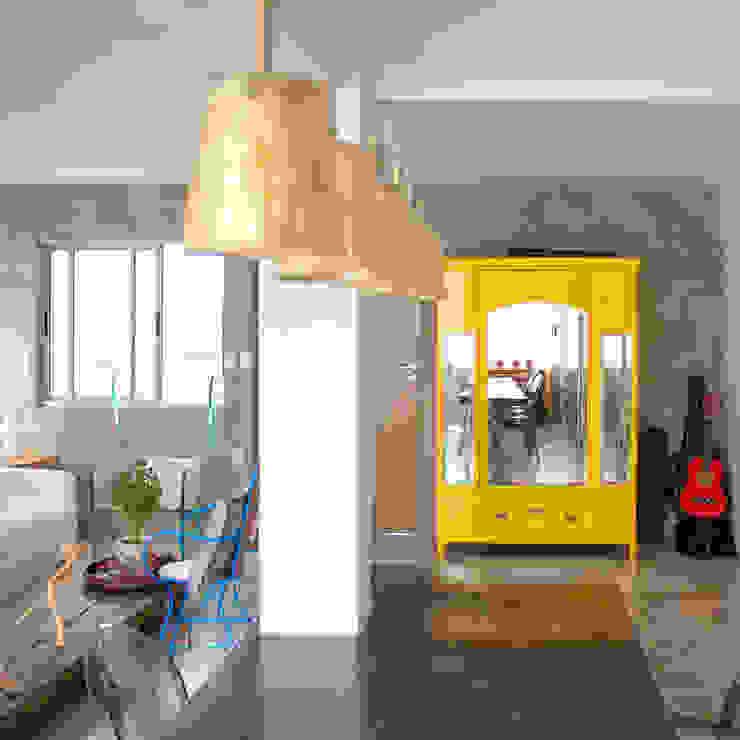 Apartamento - Pajuçara: Sala de estar  por LM Arquitetura | Conceito