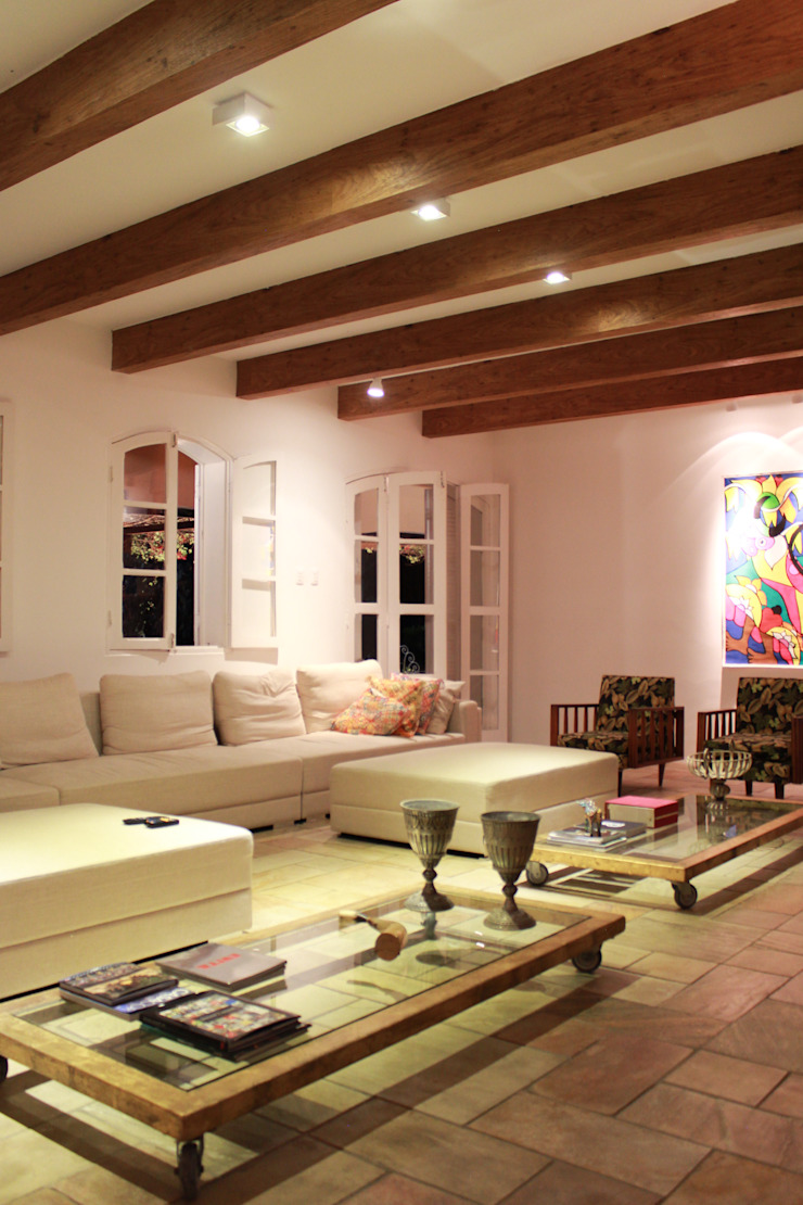 Country style living room by LM Arquitetura | Conceito Country