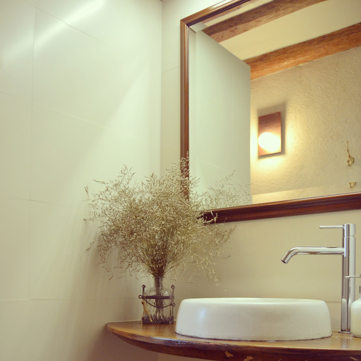Country style bathroom by raddi ARQUITECTES Country