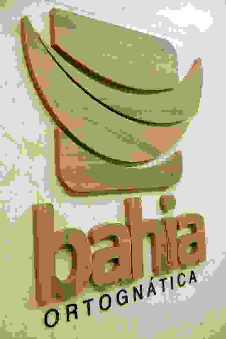 Clínica Bahia Ortognática Escritórios modernos por Bastos & Duarte Moderno