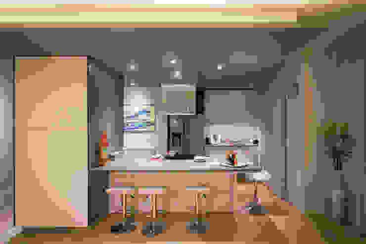 Cocinas de estilo moderno de davide pavanello _ spazi forme segni visioni Moderno