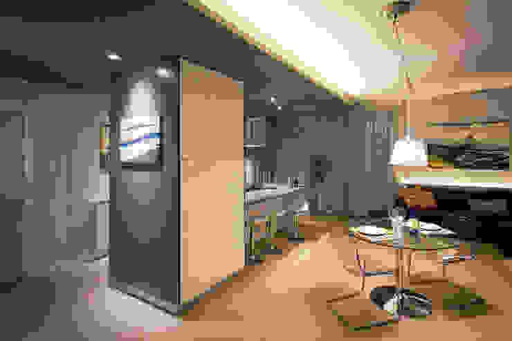 Moderne Esszimmer von davide pavanello _ spazi forme segni visioni Modern