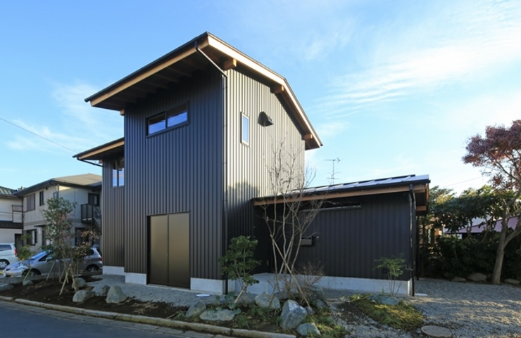 에클레틱 주택 by 早田雄次郎建築設計事務所/Yujiro Hayata Architect & Associates 에클레틱 (Eclectic) 철 / 철강
