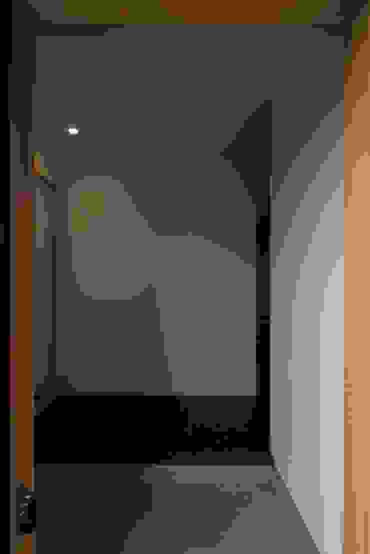 小谷の家 オリジナルスタイルの 玄関&廊下&階段 の 早田雄次郎建築設計事務所/Yujiro Hayata Architect & Associates オリジナル