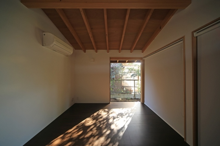 에클레틱 침실 by 早田雄次郎建築設計事務所/Yujiro Hayata Architect & Associates 에클레틱 (Eclectic)