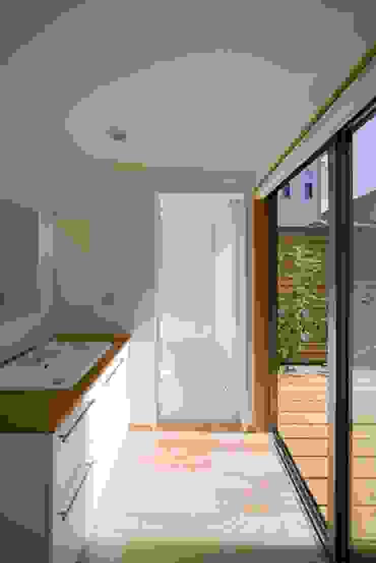 洗面室 オリジナルスタイルの お風呂 の 早田雄次郎建築設計事務所/Yujiro Hayata Architect & Associates オリジナル