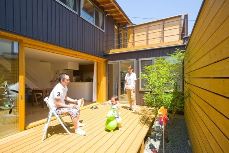 Eclectic style gardens by 早田雄次郎建築設計事務所/Yujiro Hayata Architect & Associates Eclectic