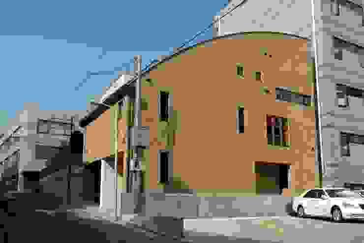 外観 モダンな 家 の 中川龍吾建築設計事務所 モダン 鉄筋コンクリート