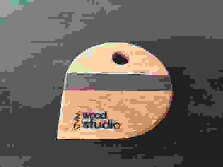 walnut, oak: 홍스목공방의 현대 ,모던 우드 우드 그레인