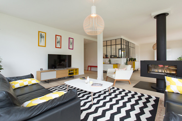 Ruang Keluarga Modern Oleh 19 DEGRES Modern