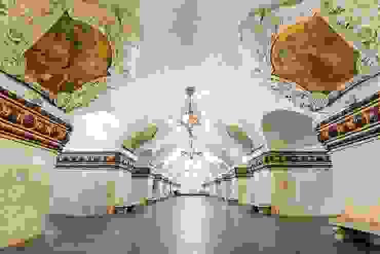 DEKOROS – Tarihi Mekanların Derinlik Katan Duvar Resimleri Artık Sizin Duvarlarınızda Hayat Buluyor: modern tarz , Modern