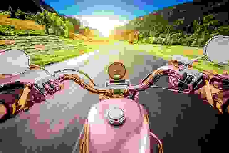 DEKOROS – Duvarlarınızda Motorsiklet Bakışı: modern tarz , Modern