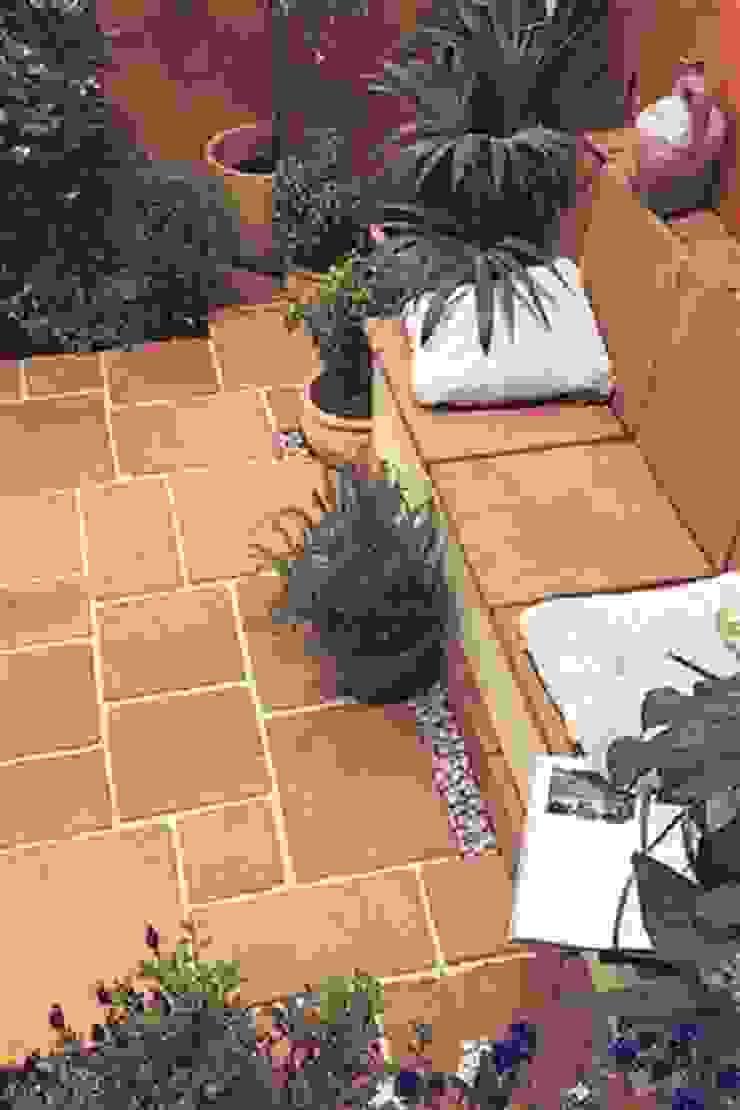 TERRACOTTA TILE PAVING BARTON FIELDS PATIO & LANDSCAPE CENTRE Mediterranean style garden Concrete Orange