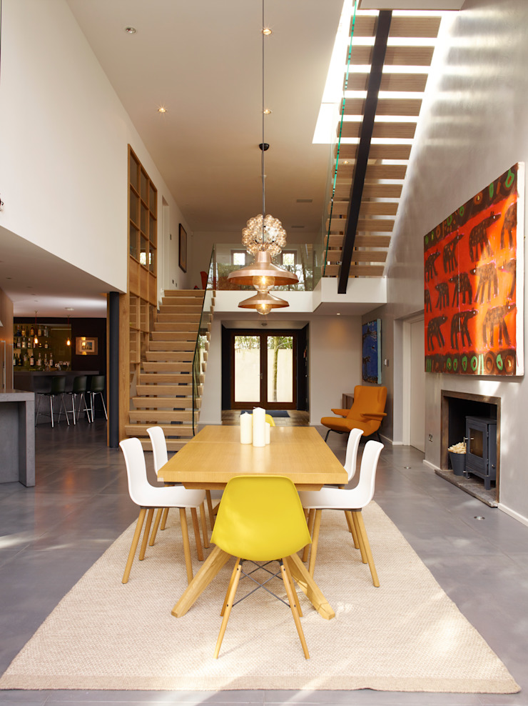 Open plan kitchen / dining space Modern Walls and Floors by Holloways of Ludlow Bespoke Kitchens & Cabinetry Modern Concrete