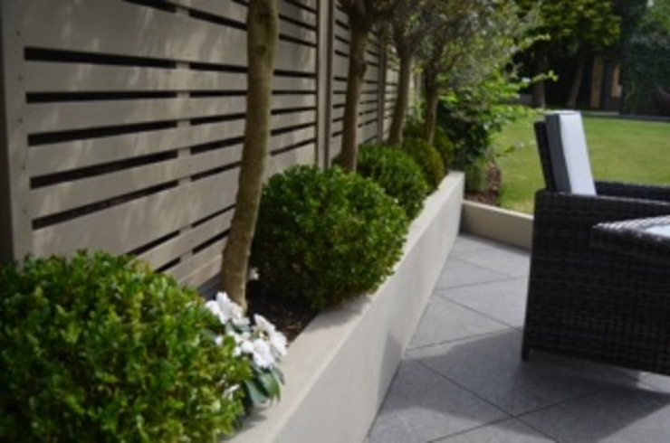 THE MILAN CONTEMPORARY PANEL Modern garden by BARTON FIELDS LANDSCAPING SUPPLIES Modern Wood Wood effect