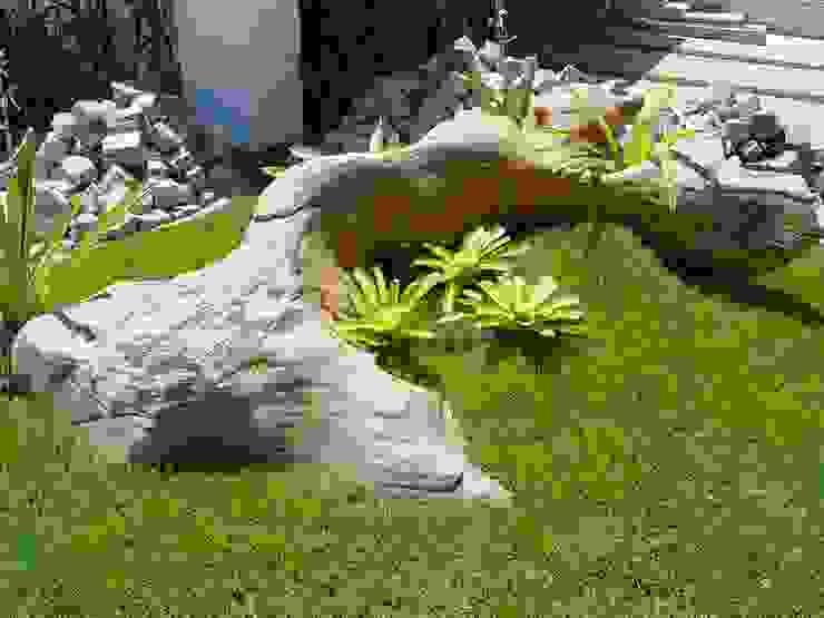 Jardines de estilo mediterráneo de MM NATURSTEIN GMBH Mediterráneo Piedra