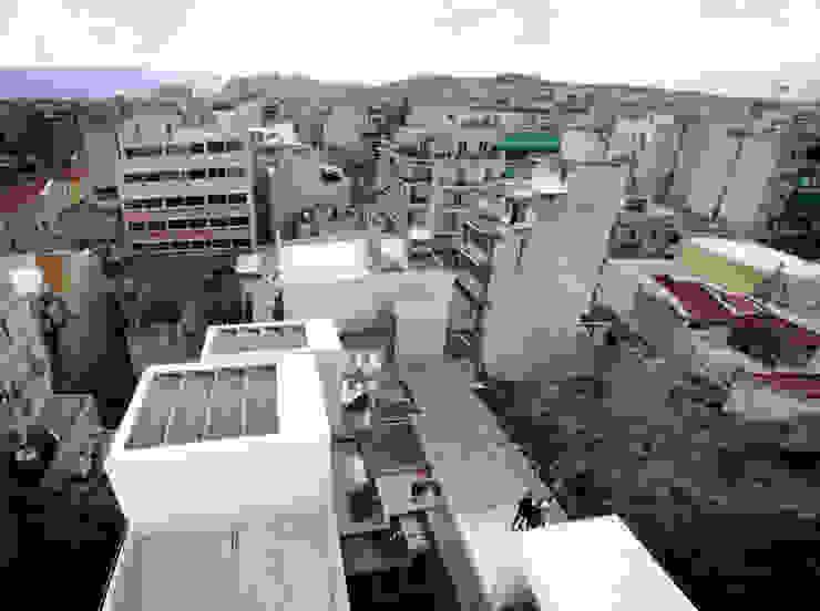 Terraços na cobertura por FORA Arquitectos