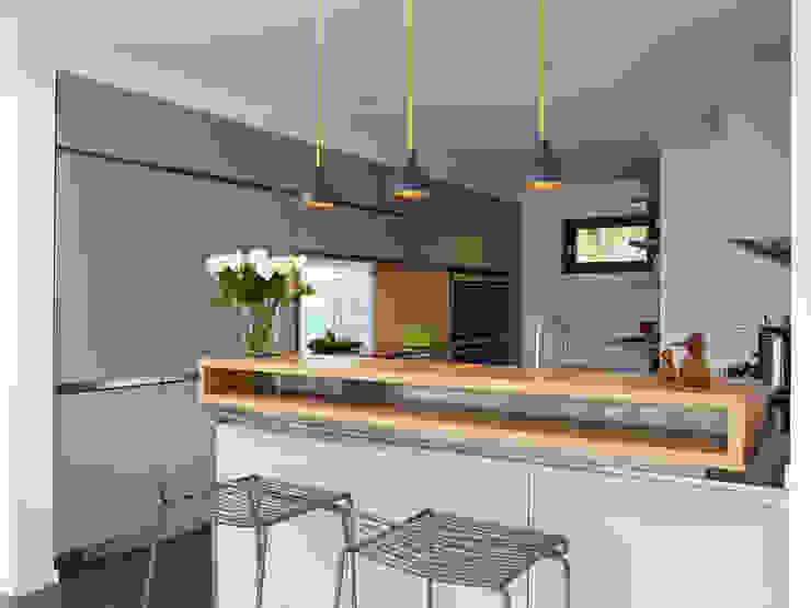 Küche von Baufritz (UK) Ltd.