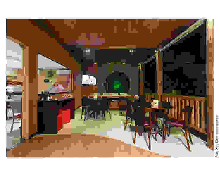 Balcones y terrazas de estilo rústico de Bastos & Duarte Rústico