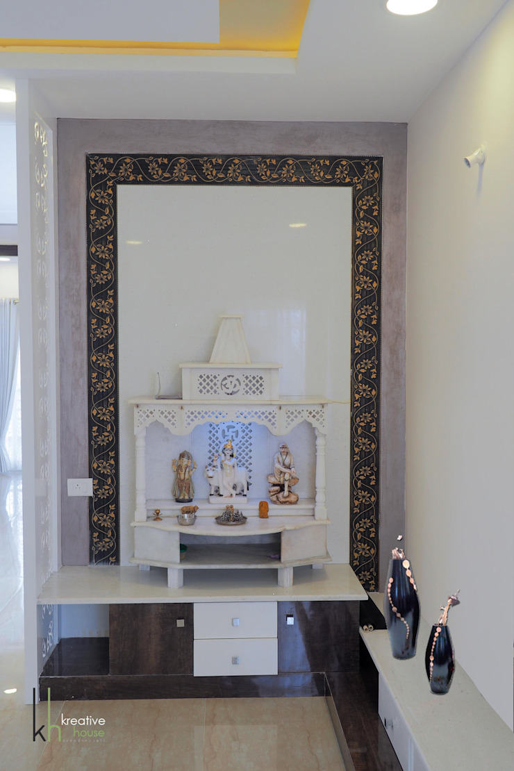 POOJA ROOM /PRAYER AREA: eclectic  by KREATIVE HOUSE,Eclectic Marble