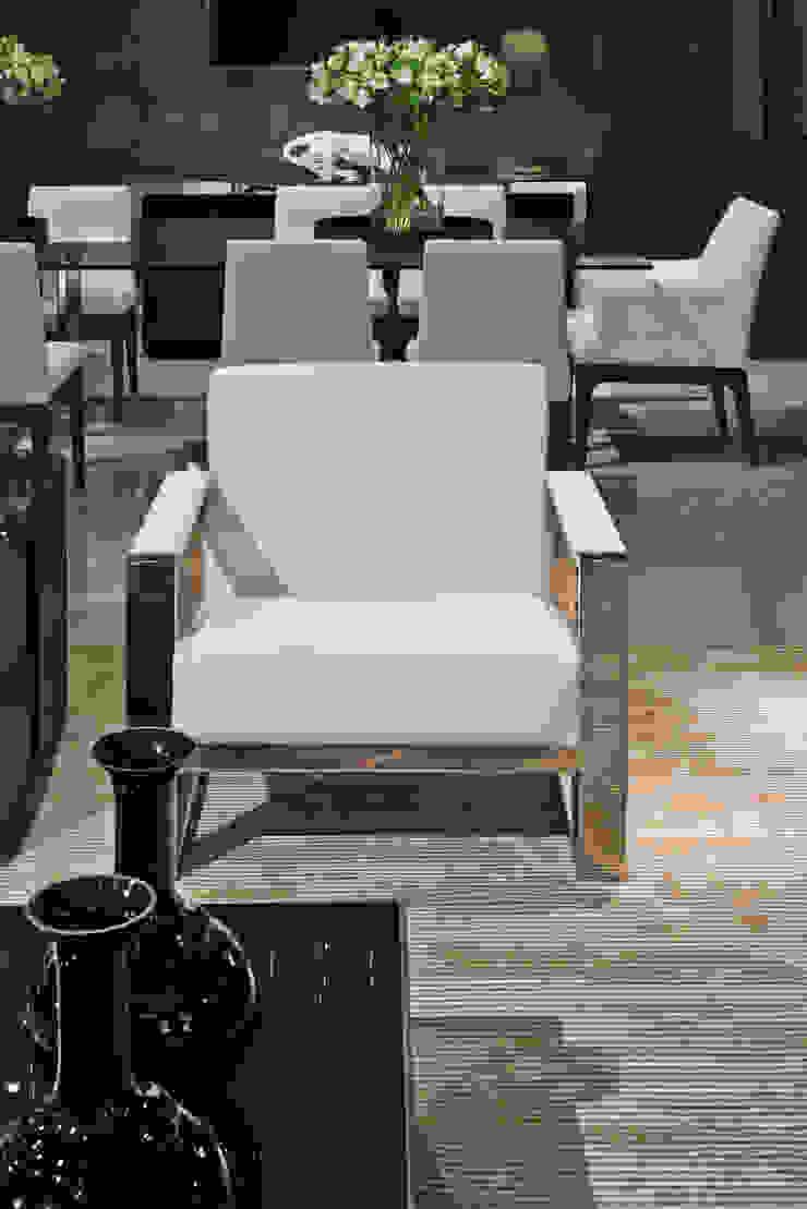 detalhe poltrona Salas de estar modernas por rafael egg arquitetura Moderno Madeira Efeito de madeira