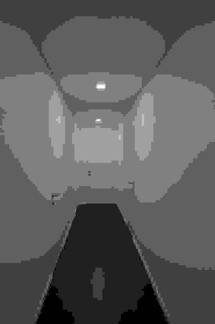 Corredor Corredores, halls e escadas modernos por Lethes House Moderno