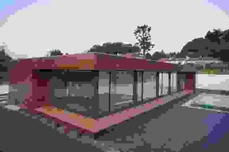 Fachada Casas modernas por Lethes House Moderno