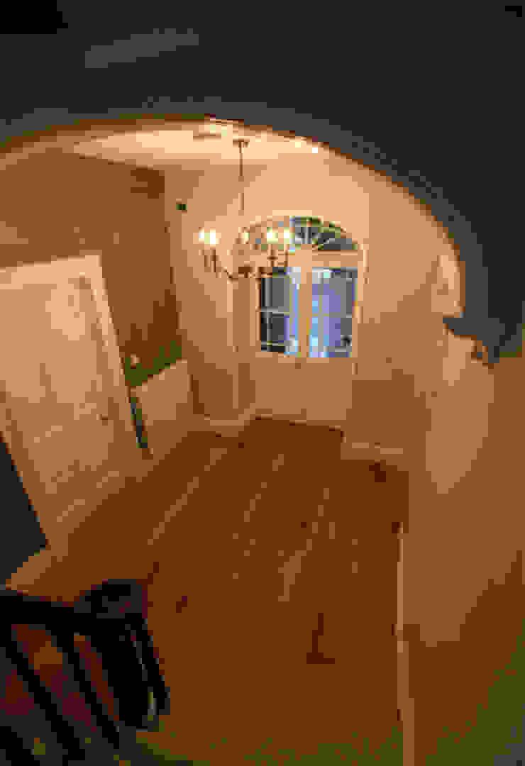 Brockhurst CCD Architects Classic corridor, hallway & stairs