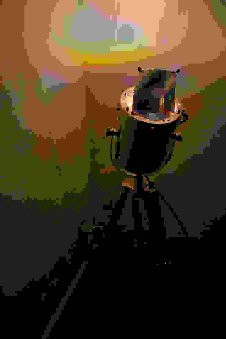 설치된 ROY.G.BIV : 글로리홀 GLORYHOLE LIGHT SALES의 에클레틱 ,에클레틱 (Eclectic)