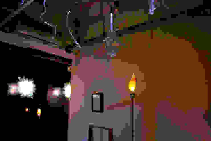 전시 Installation view: 글로리홀 GLORYHOLE LIGHT SALES의 에클레틱 ,에클레틱 (Eclectic)