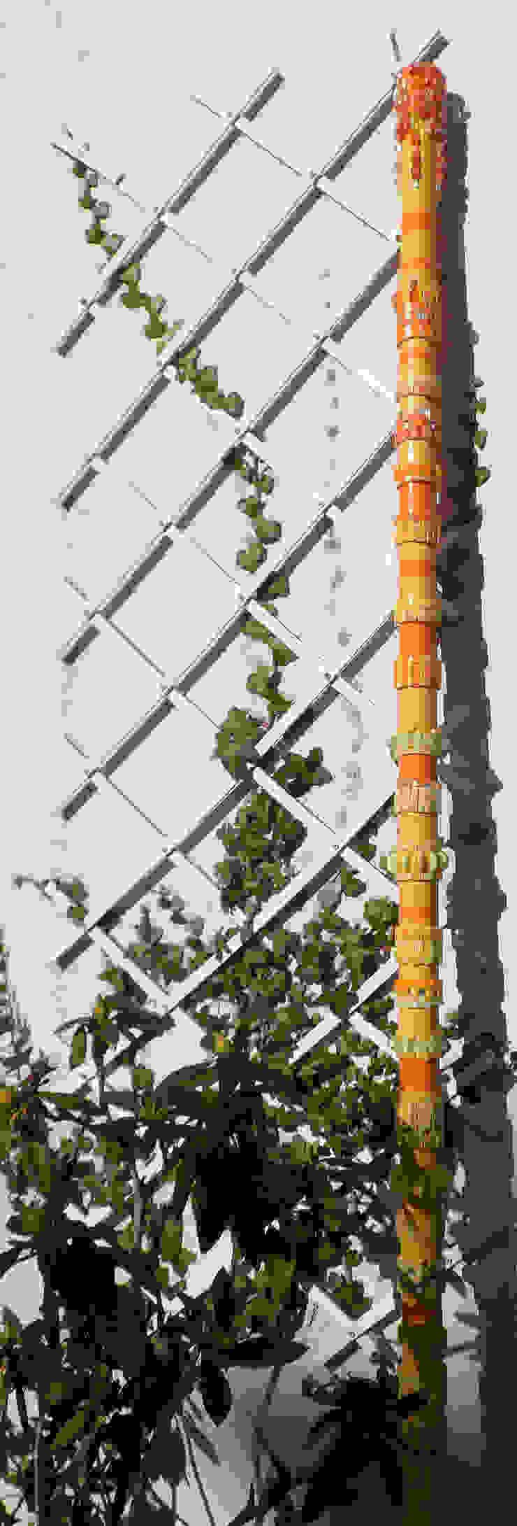 TOTEM INDOOR Balcon, Veranda & Terrasse originaux par Lechevallier stephanie Éclectique