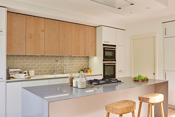 Island close up Modern Kitchen by Holloways of Ludlow Bespoke Kitchens & Cabinetry Modern Wood Wood effect